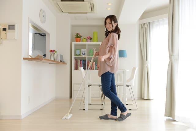 カーペットを敷く床をしっかり掃除